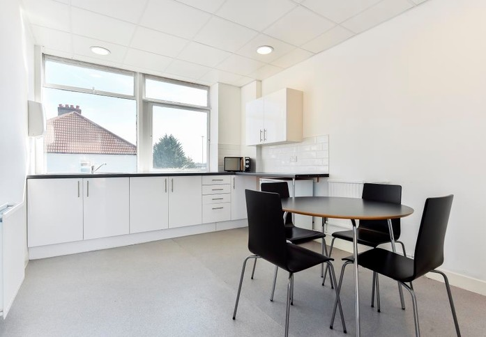 Boston Road W7 office space – Kitchen