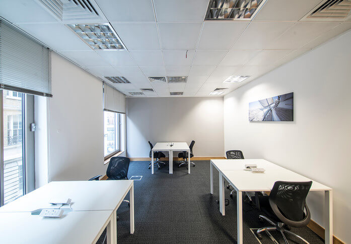 Cannon Street EC4 office space – Private Office (different sizes available)