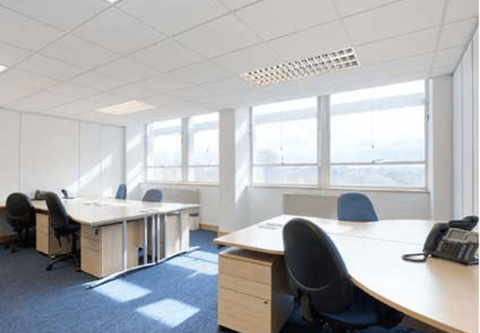 Great West Road TW8 office space – Private Office (different sizes available)