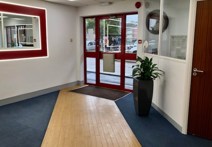Uxbridge Road UB3 office space – Reception