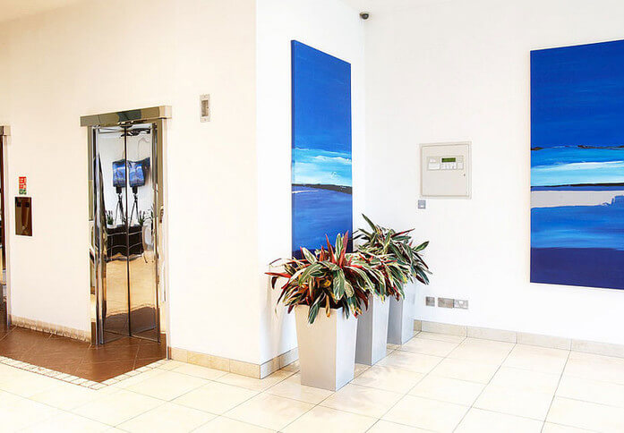 Temple Gate BS1 office space – Atrium