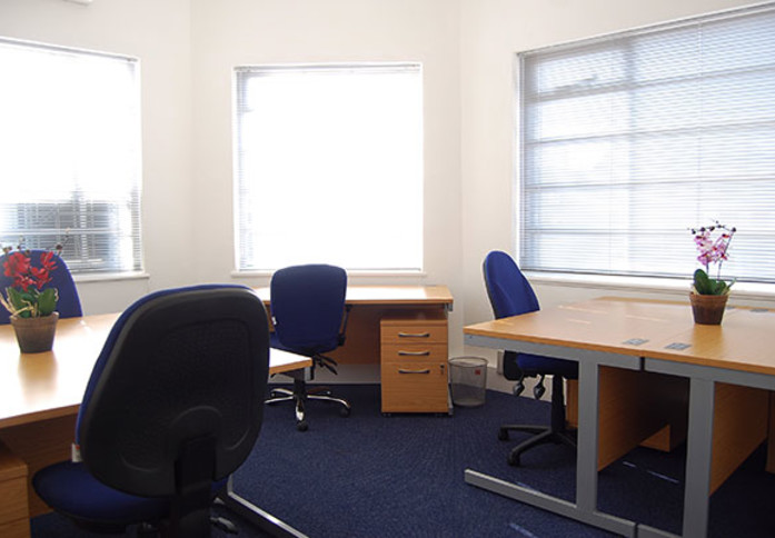 Falcon Road SW2 office space – Private Office (different sizes available)