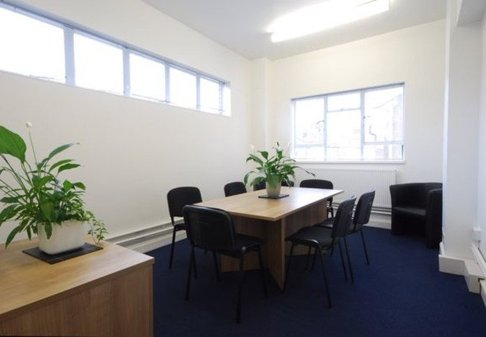 Falcon Road SW2 office space – Meeting/Boardroom