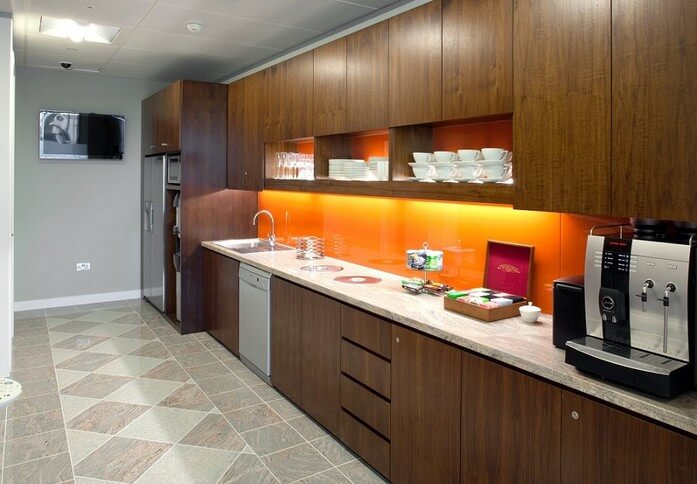 Bank Street E14 office space – Kitchen