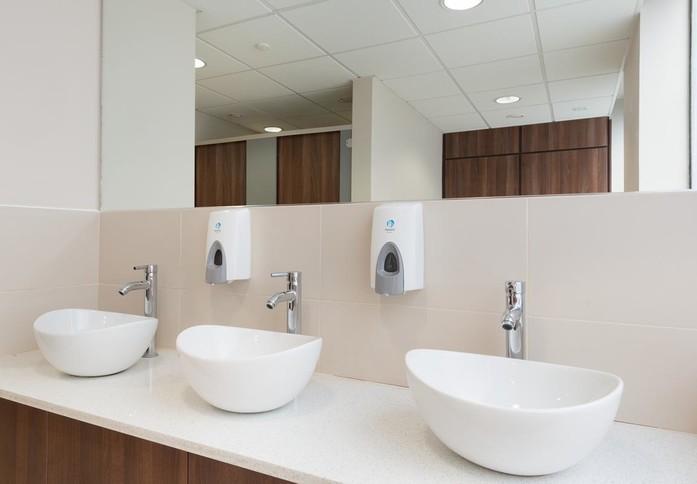 Cricketfield Road UB8 office space – Toilets