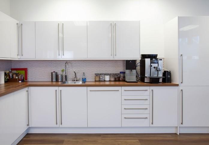 Thomas More Square E1 office space – Kitchen