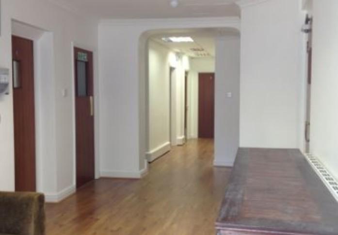 High Street WD6 office space – Hallway