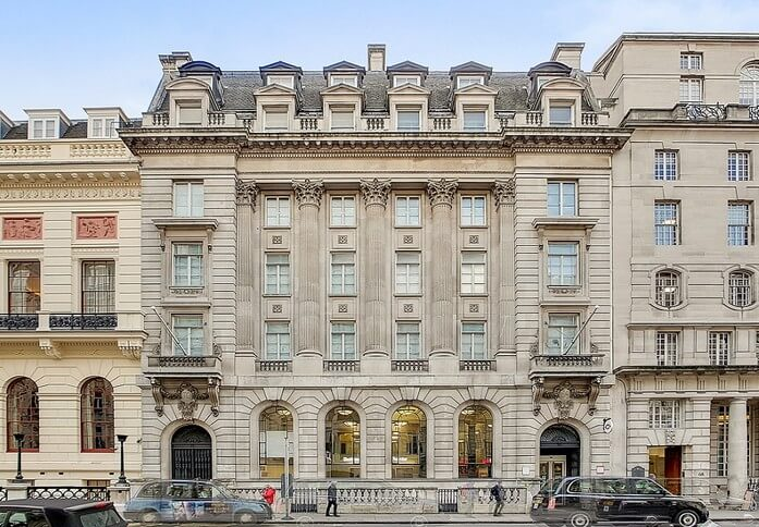 Pall Mall SW1 office space – Building External