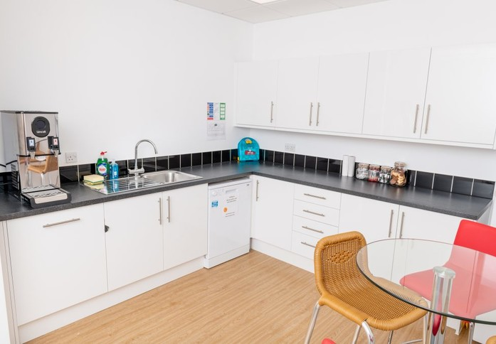Wotton Road TN23 - TN25 office space – Kitchen