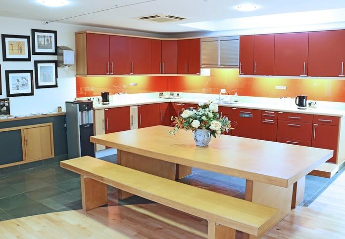 Curtis Road RH4 office space – Kitchen