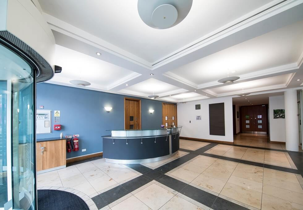 Farnham Road GU1 office space – Reception