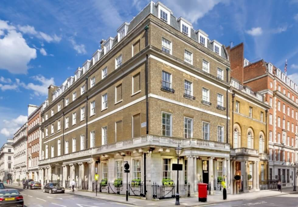 St James's Square SW1 office space – Building External