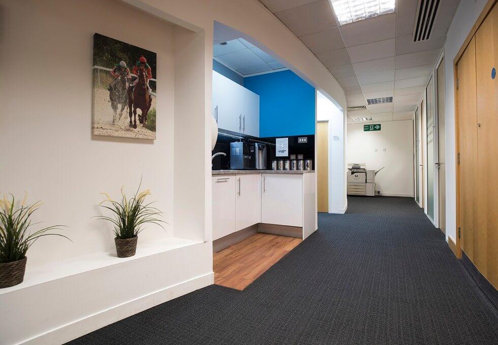 Regent Park KT22 office space – Kitchen