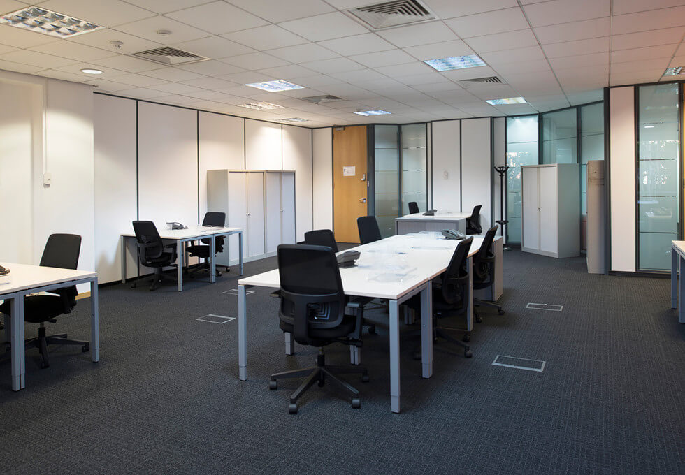 Bath Road UB7 office space – Private Office (different sizes available)