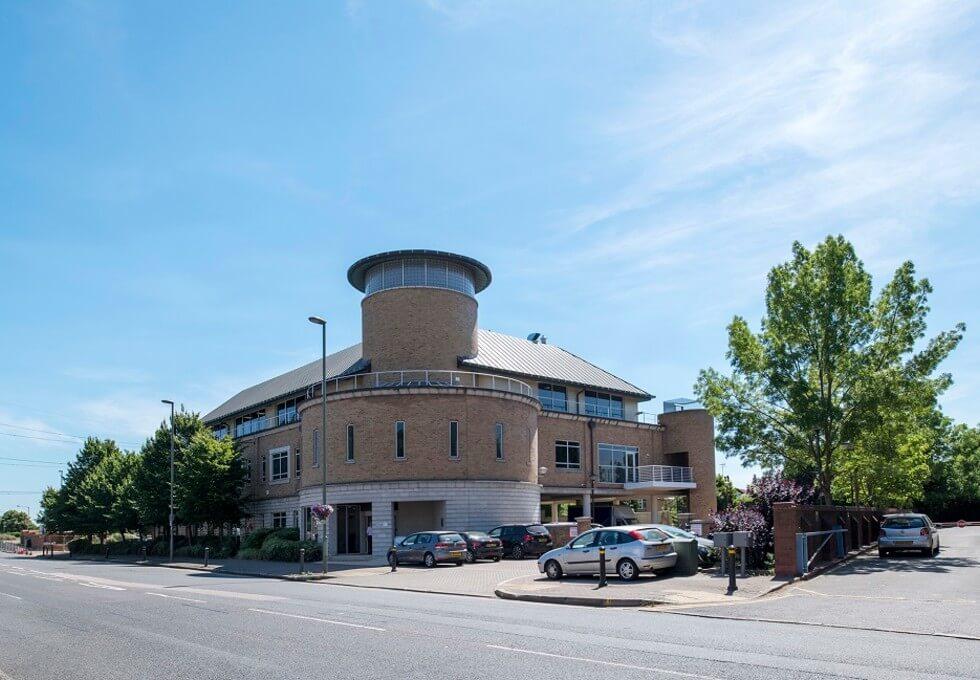 London Road TW18 office space – Building External