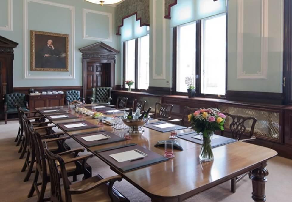 Tokenhouse Yard EC2 office space – Meeting/Boardroom
