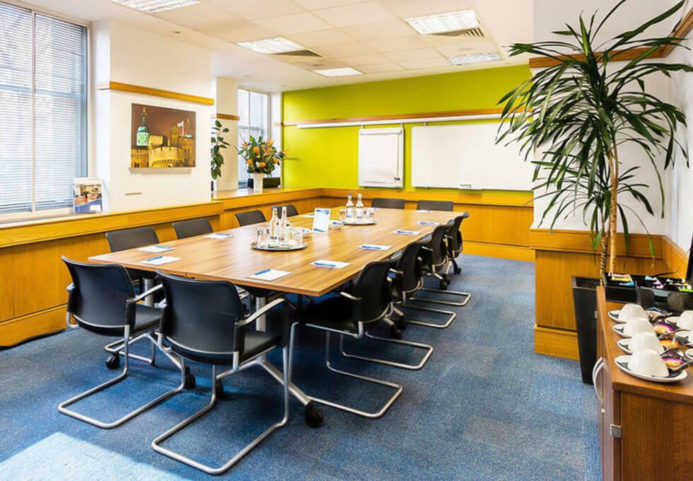 Victoria Street SW1 office space – Meeting/Boardroom