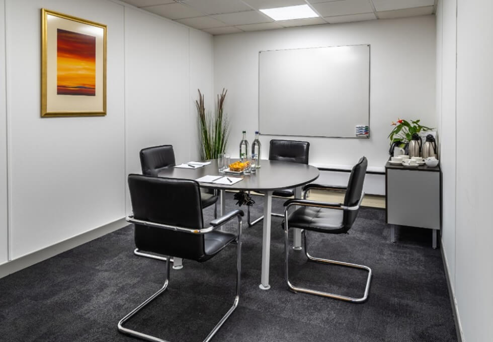 Boston Manor Road TW8 office space – Meeting/Boardroom