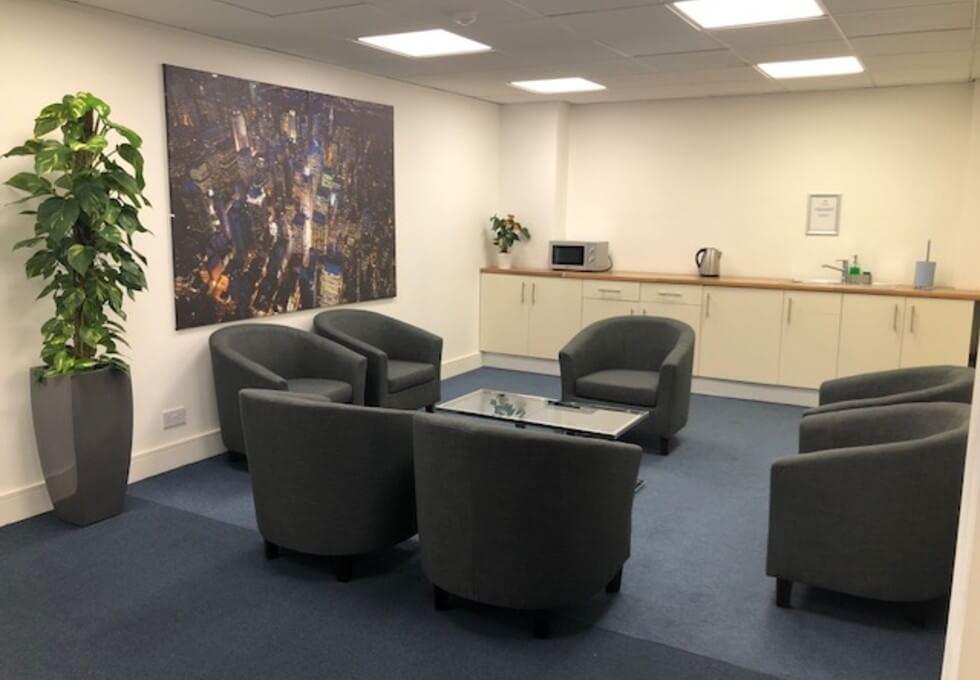Uxbridge Road UB3 office space – Kitchen