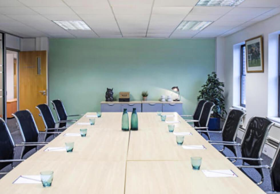 Oxford Street RG2 office space – Meeting/Boardroom