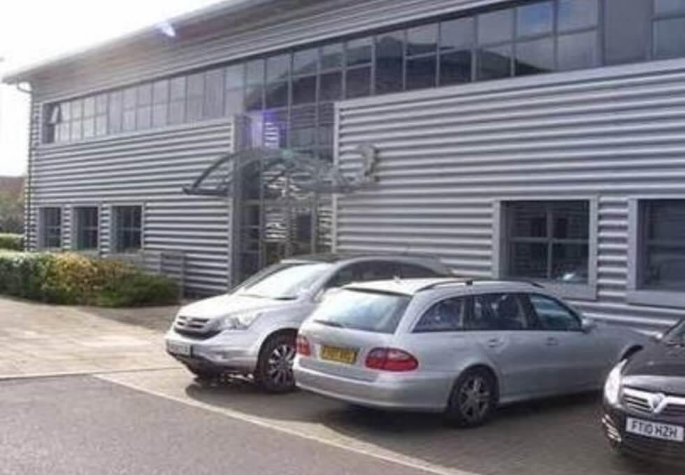 Tritton Road LN1-LN6 office space – Building External