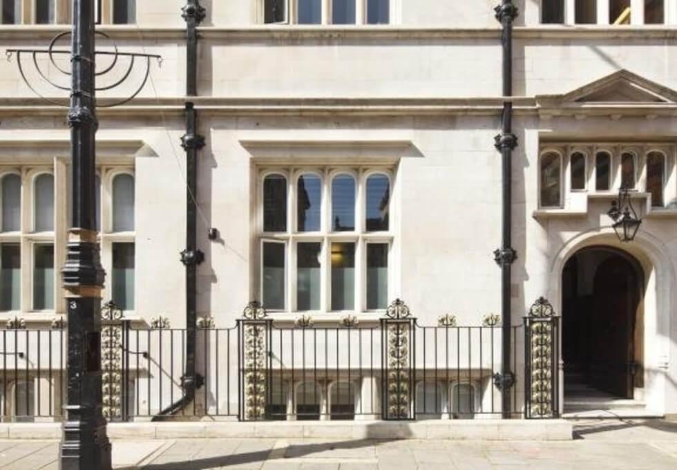 Stratton Street W1 office space – Building External