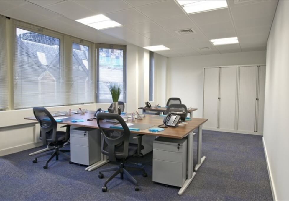 Fetter Lane WC2A office space – Private Office (different sizes available)