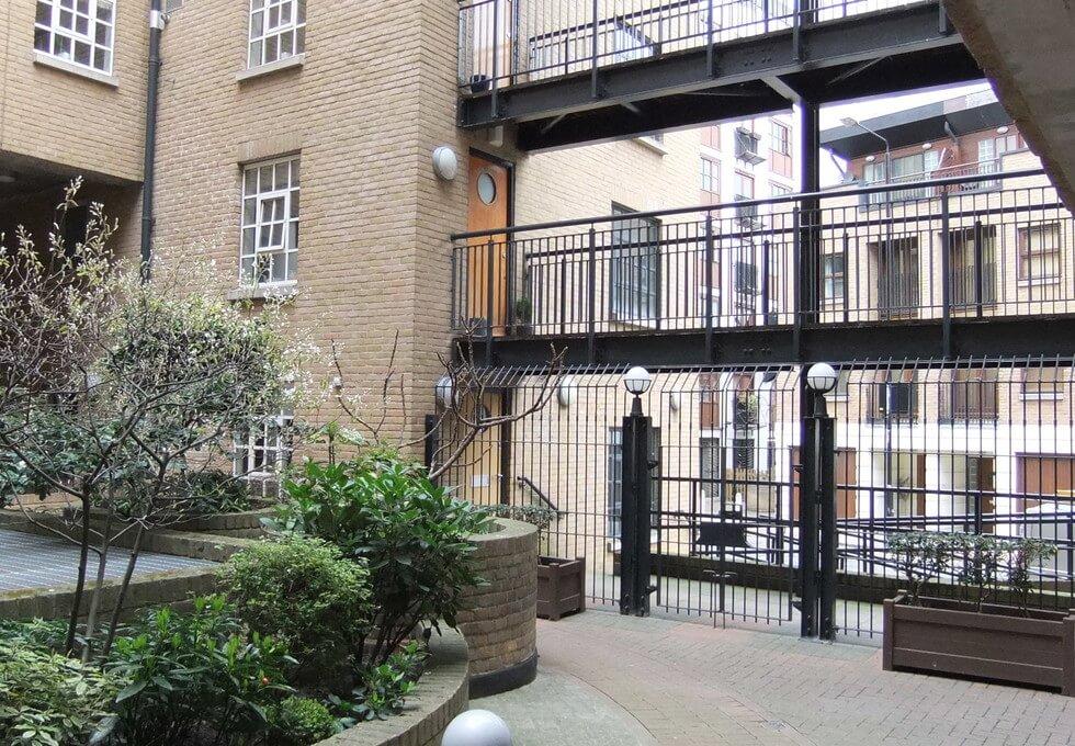 Wapping Wall E1 office space – Courtyard