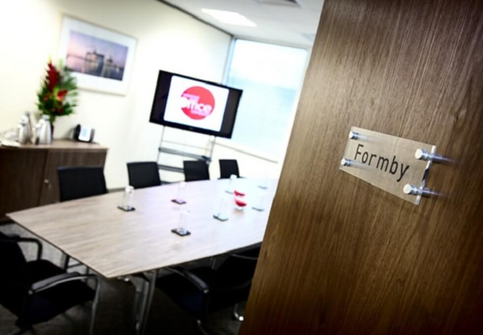 Exchange Quay M1 office space – Meeting/Boardroom