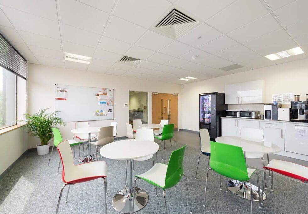 Cricketfield Road UB8 office space – Kitchen