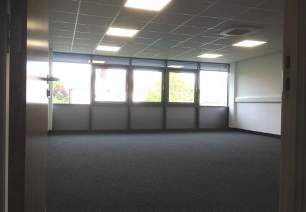 Oldfields Road RH5 office space – Private Office (different sizes available)