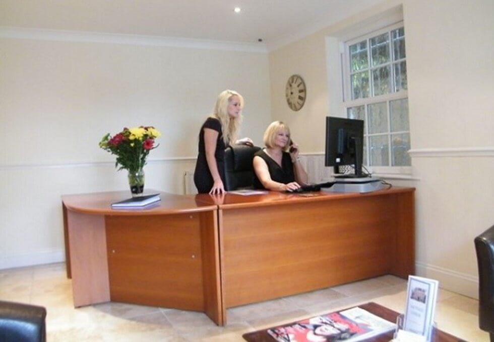 Thames Street KT13 office space – Reception
