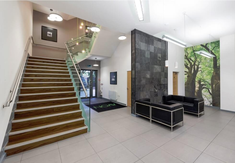 Stratford Road B91 office space – Hallway