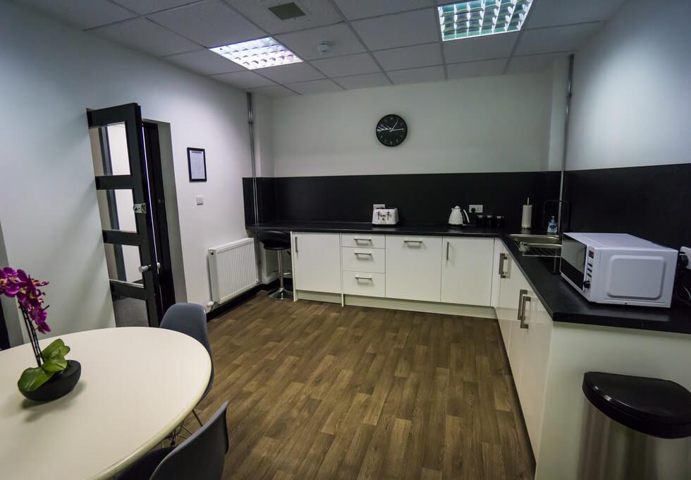 Clark Street PA1 - PA3 office space – Kitchen