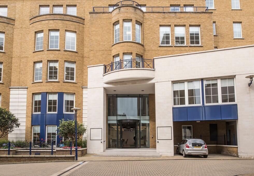 Trafalgar Place BN1 office space – Building External