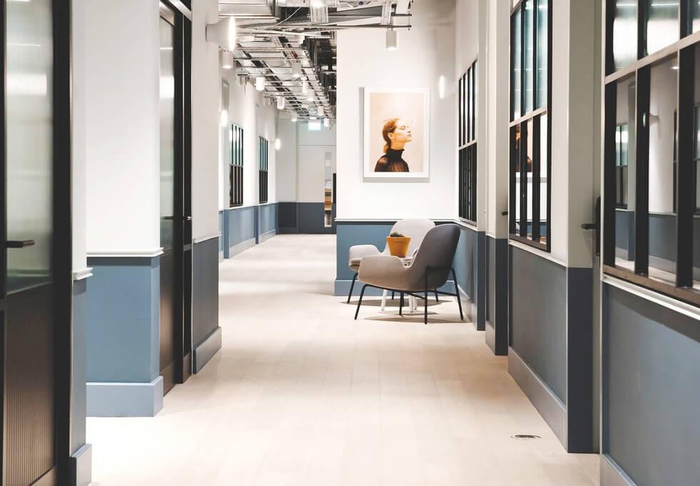 Eccleston Square SW1 office space – Hallway