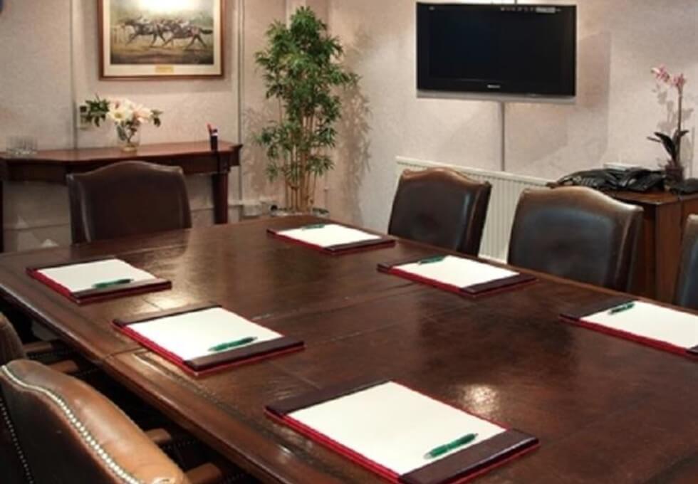 Restmor Way XX1 office space – Meeting/Boardroom