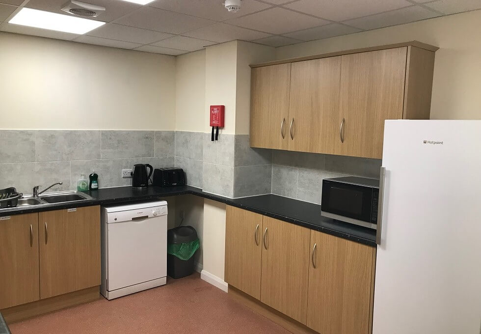Smeaton Close HP19 office space – Kitchen
