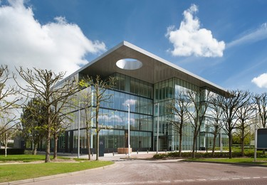 Longwalk UB11 office space – Building external