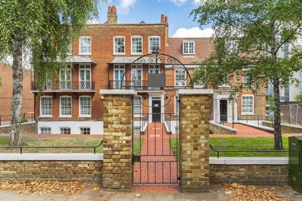 Boston Manor Road, Brentford, TW8, London