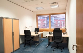 Kingsway WC1 office space – Private Office (different sizes available)
