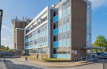 Boston Road W7 office space – Building External