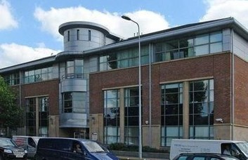 Lower Mortlake Road TW9 office space – Building External