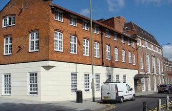 Brent Street NW2, NW4 office space – Building External
