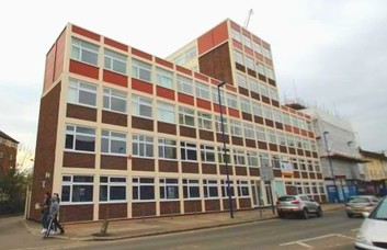 High Street HA8 office space – Building External