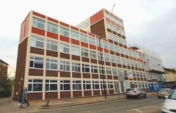High Street HA8 office space – Building External