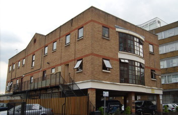 Brittania Road EN5 office space – Building External