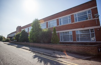Elstree Way WD6 office space – Building External