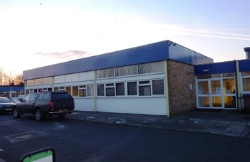 Inchinnan Road ML4 office space – Building External