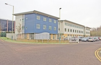 Rivermead Drive office space – Building External